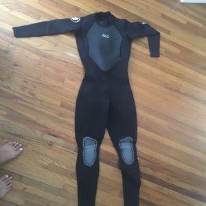 452174b5bb 3 2 Women s body glove wetsuit - never worn
